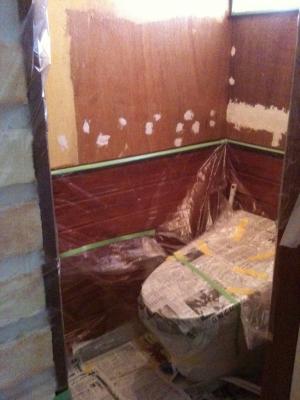 2Fトイレ壁塗り