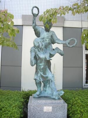 彫刻:奥谷俊治「はる」