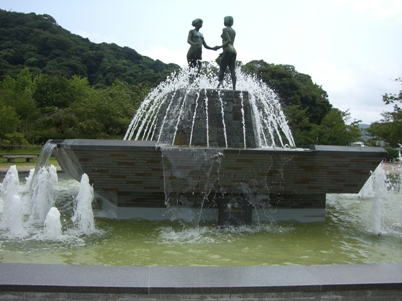 彫刻:入江 甲「出逢い」