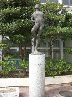 彫刻:石田 明「風」