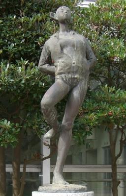 彫刻:石田 明「風」アップ