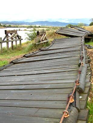 流れ橋(10)