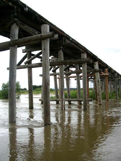流れ橋4.JPG