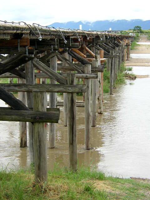 流れ橋2.JPG