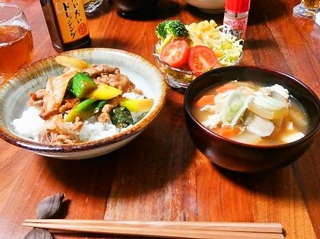 豚肉と下仁田ねぎの味噌炒め丼