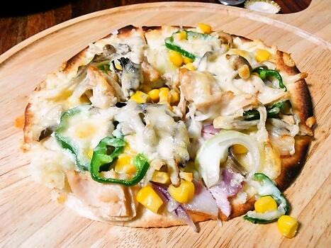 トルティーヤの皮でピザ