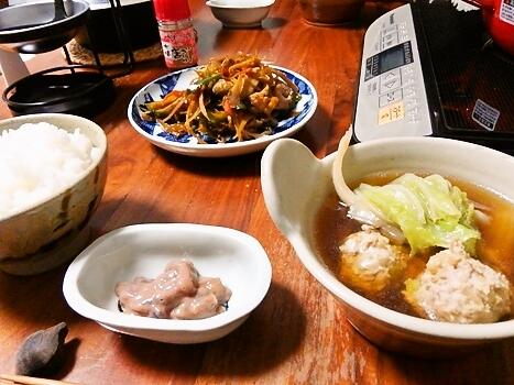 白菜と肉だんご鍋