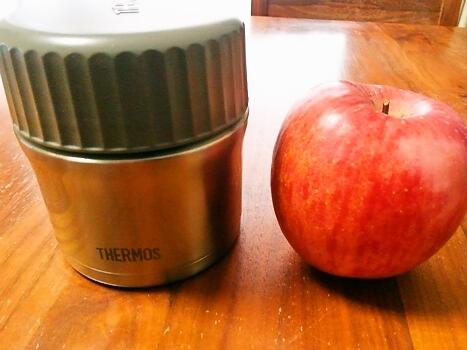 病人弁当とりんご