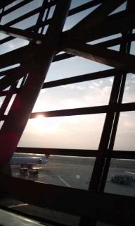 朝の空港〜。。0001.jpg