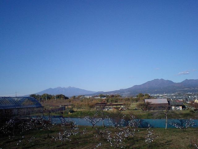 八ヶ岳とニセ八ツ(茅ヶ岳)