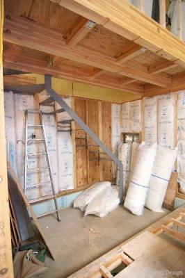 ワンパクハウス鉄骨階段