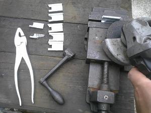 グラインダー切削作業