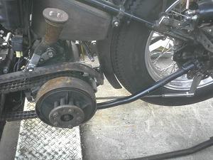 車体左側連結ロッド