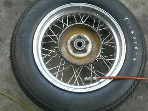 タイヤ履き替え作業