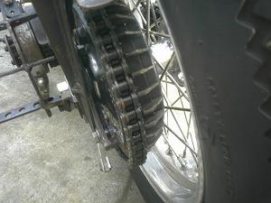 冷却フィン付ドラムブレーキ