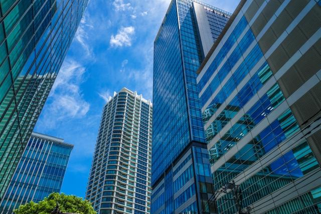 横浜のビルの写真