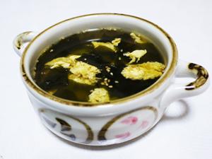 卵とワカメの中華スープ