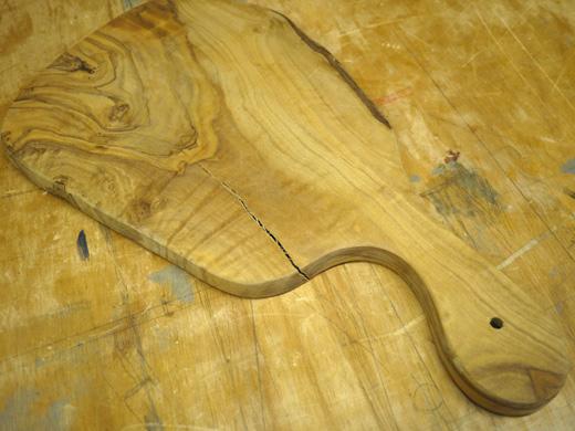 オリーブのまな板の修復