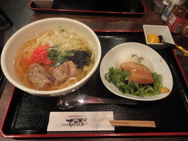 ソーキそば+ラフテー丼