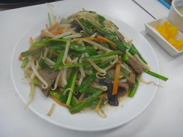 レバニラ炒め定食(700円)