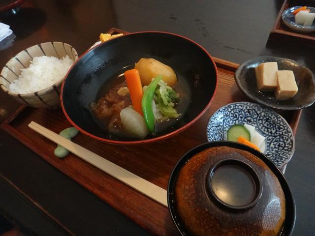 肉じゃが(1300円)