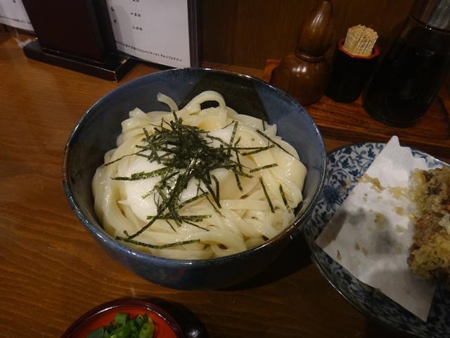 山かけしょうゆうどん(750円)