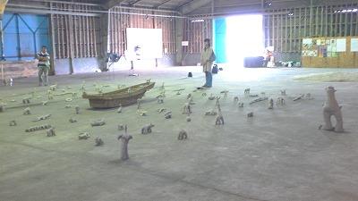 倉庫会場の風景