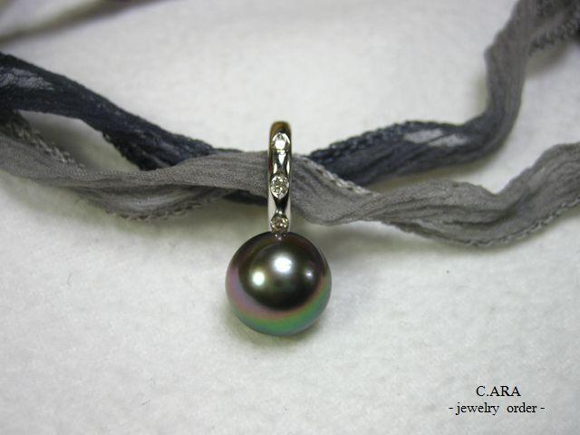 真珠 ピーコックカラー