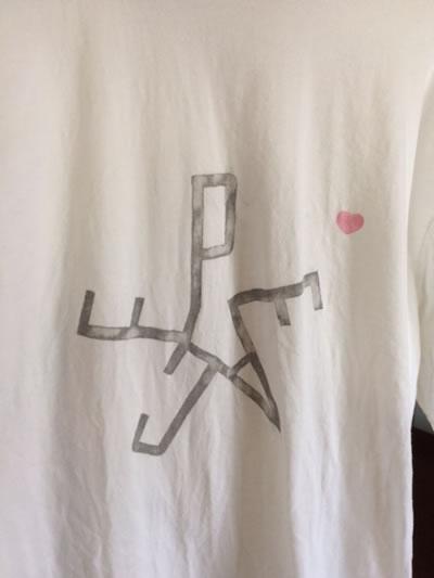 PEACEのTシャツ2