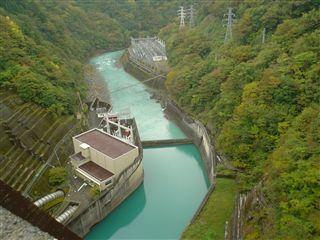 051029_井川ダムの落差。