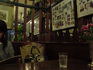 050604_LONDON TEA ROOM堂島店。