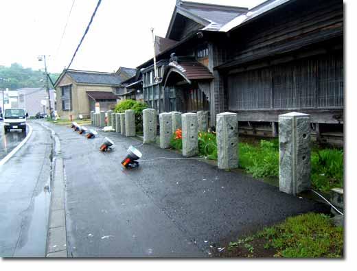雨に煙る茨木家住宅02