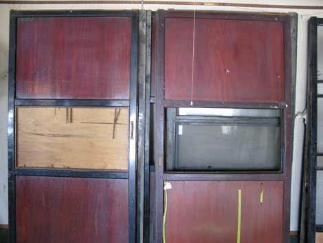 雪の茨木家中出張番屋塗り戸