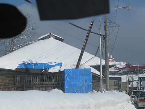 札幌側屋根部分破損状況