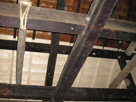 大屋根天井板補修2