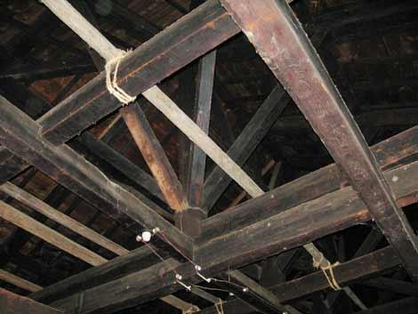 寄棟屋根組み破損部分