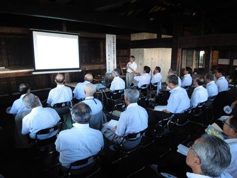 20100810CCI議員総会1