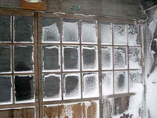 玄関ガラス戸はこのとおり