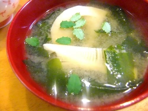 筍とわかめの味噌汁