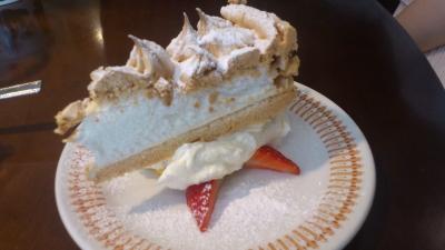 ブンブン紅茶店のスノーフレークケーキ