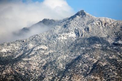 雪のレモン山
