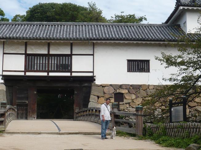 彦根城の入口w