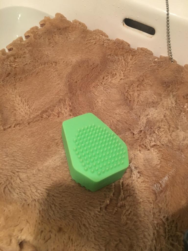 ダイソーのふわふわジョイントマットを洗ってみました。