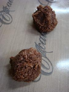 チョコココナッツマカロン