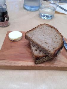 パンとバター(ROSE BAKERY)