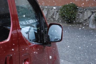 ラーユ号に雪が積もってます