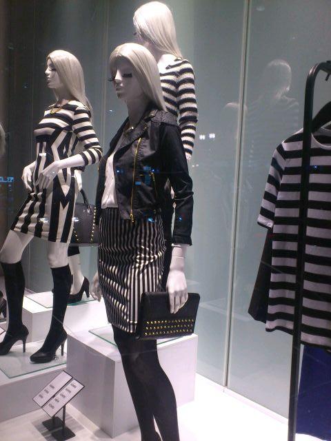 H&M 新宿