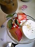 桃のミルクプリンミニパルフェ