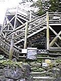滝のつり橋手前