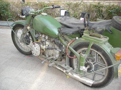 以前北京で見た変わったバイクです。